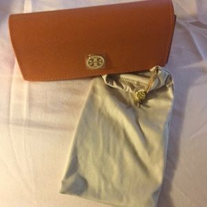 Tory Burch Sunnies Case and cleaning cloth bag